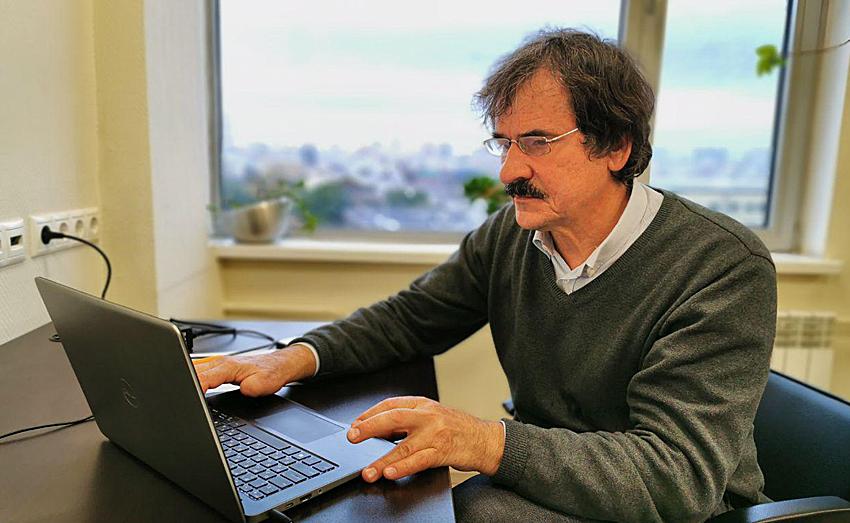Валерий Рязанов.png