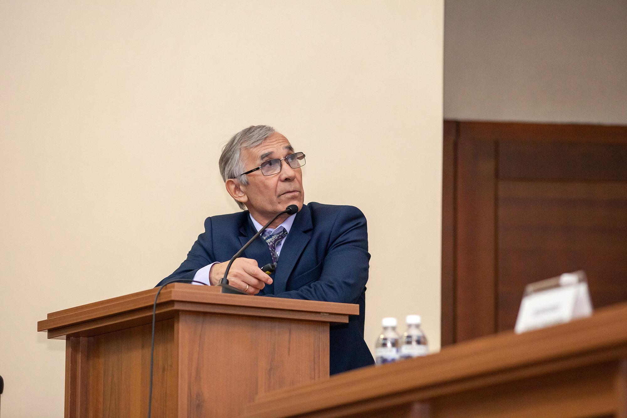 Валерий Стенников.jpg