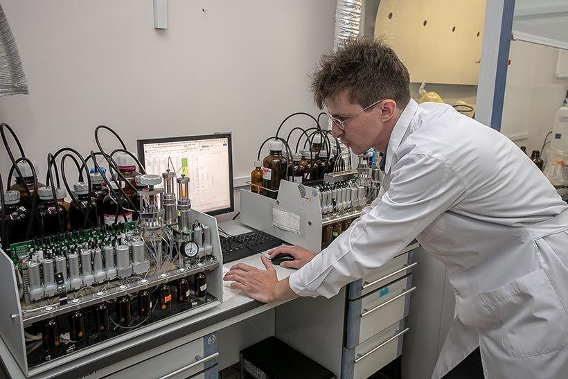 ДНК-синтезаторы.jpg